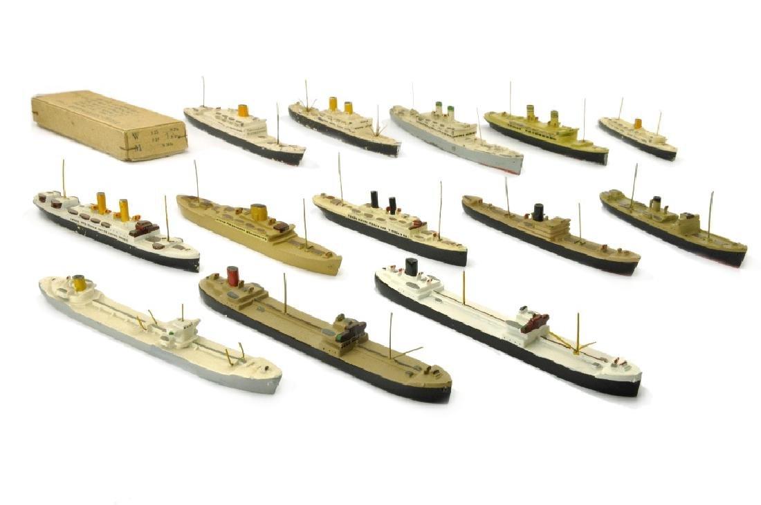 Konvolut 13 Zivilschiffe (Nachkrieg)