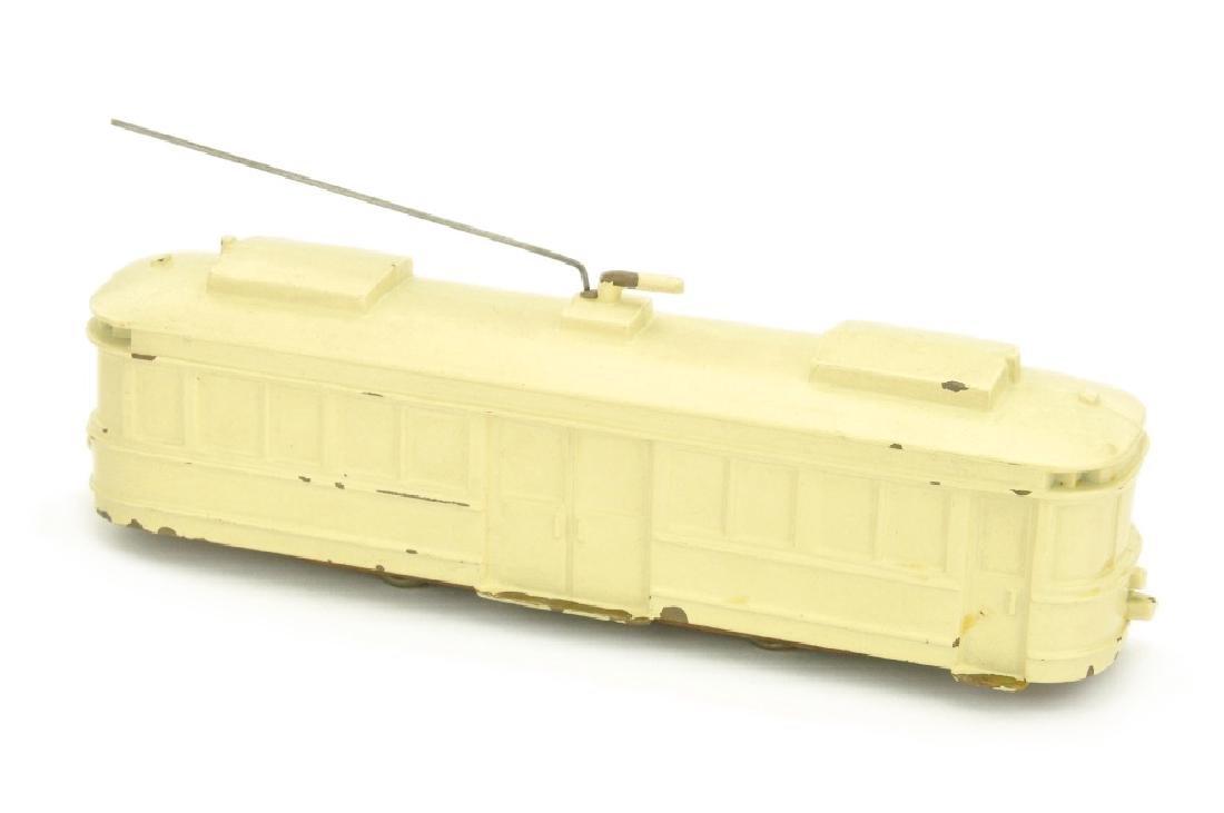 Strassenbahn-Triebwagen, creme lackiert