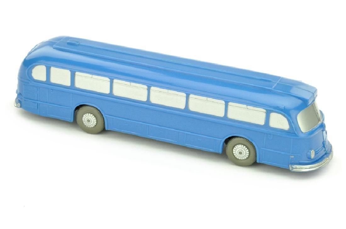 Omnibus Mercedes O 6600, himmelblau