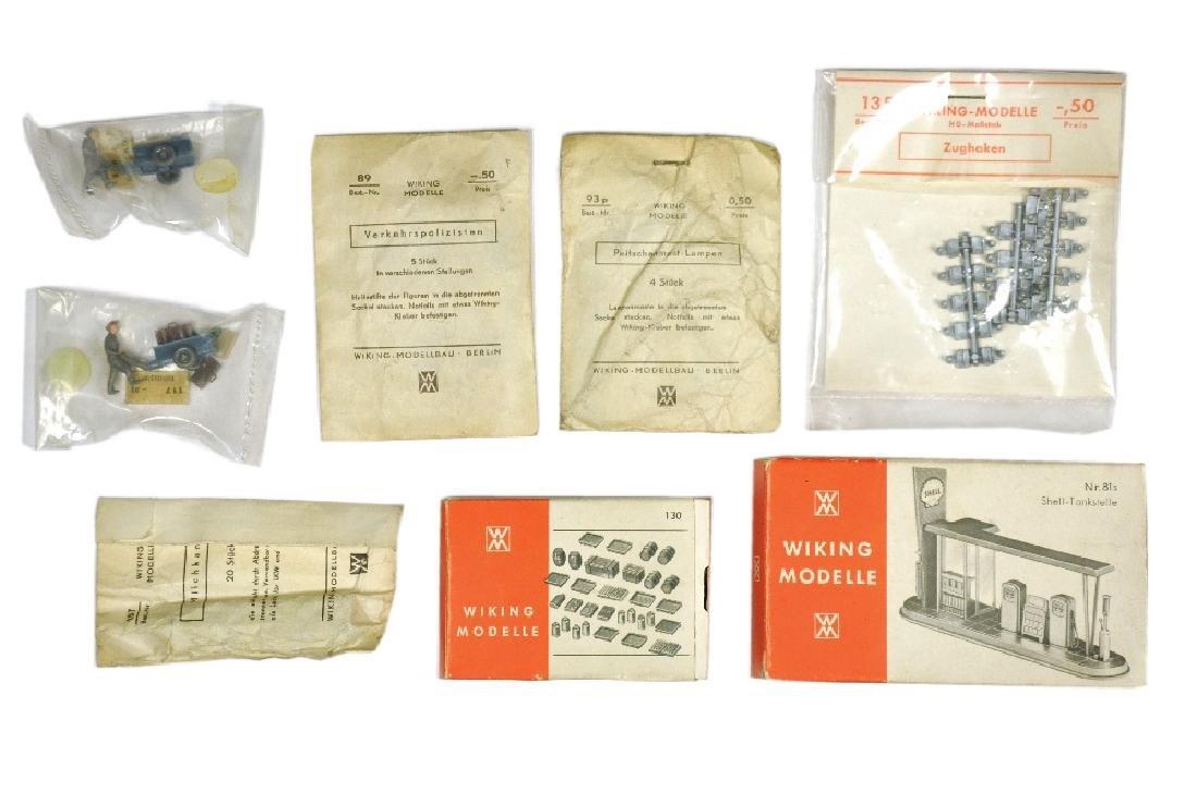 Konolut 8 Zubehoer-Sortimente der 60er Jahre