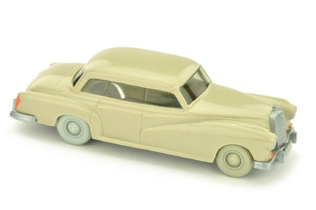 Mercedes 300, hellgelbgrau (ohne Seitenholme)