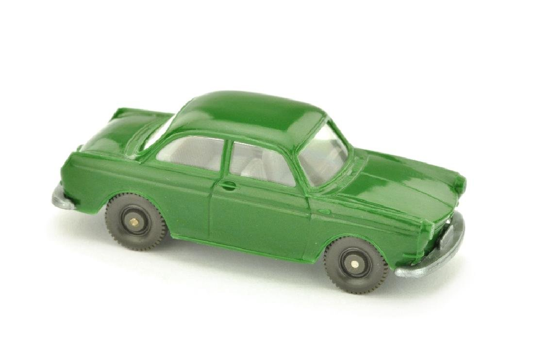 VW 1500 Stufenheck, laubgruen