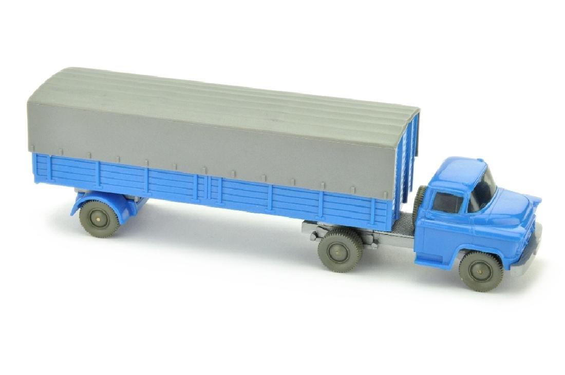 Chevrolet Pritschen-Sattelzug, himmelblau