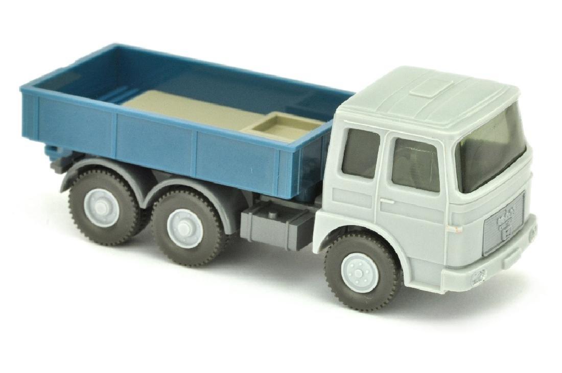Zugmaschine MAN 22.321, silbergrau/azurblau