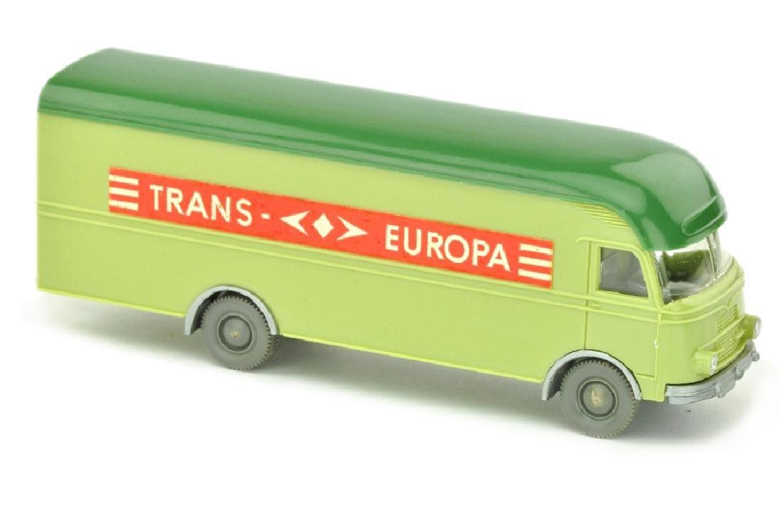 MB 312 Trans Europa, lindgruen