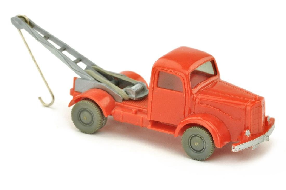 Abschleppwagen MB 5000, orangerot