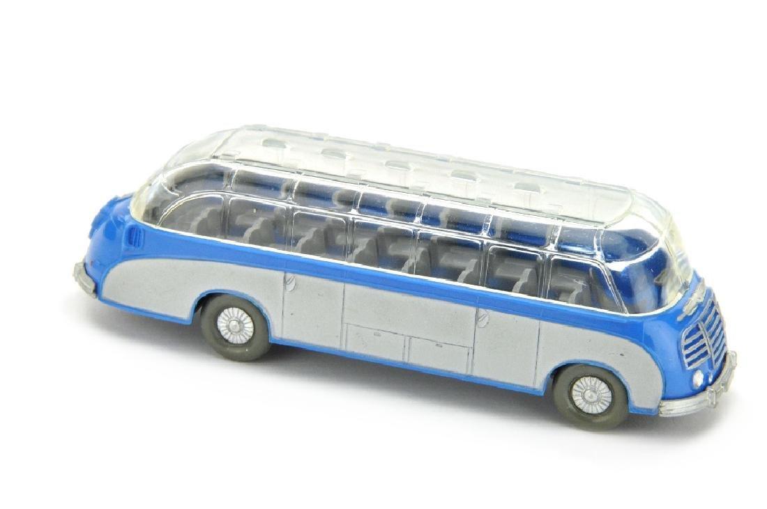 Setra-Bus, himmelblau