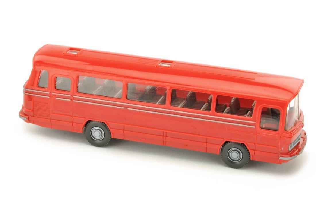 Omnibus Mercedes O 302, rot