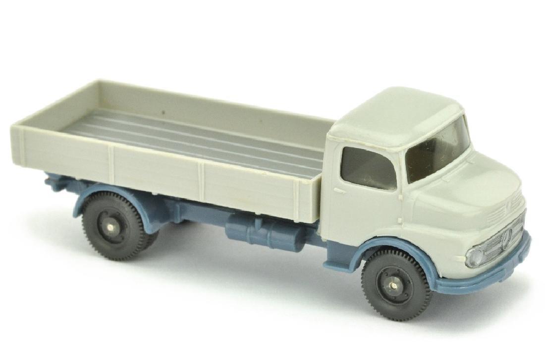 MB 1413 ohne Dachluefter, achatgrau/m'graublau