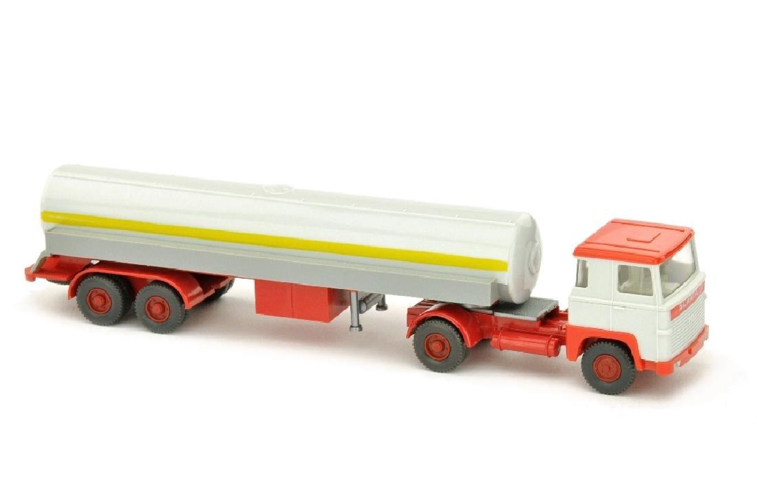 Tanksattelzug Scania 110, altweiss