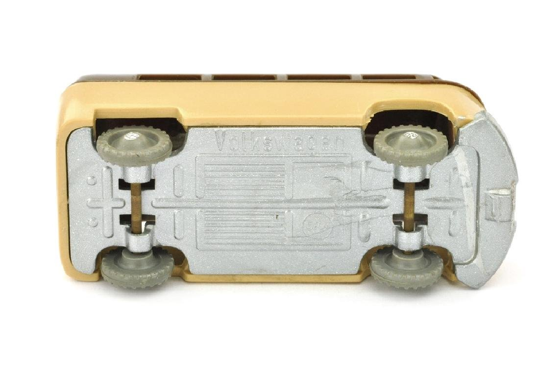 SIKU - (V 16) VW Kombi, schokobraun/beige - 2