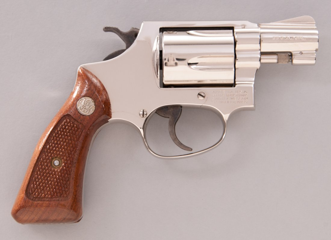 892: Smith & Wesson Model 36 Chief's Special Revolver - 2