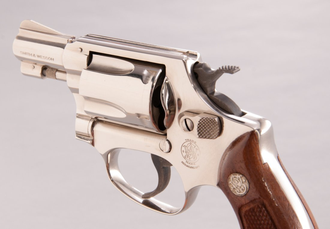 892: Smith & Wesson Model 36 Chief's Special Revolver - 3
