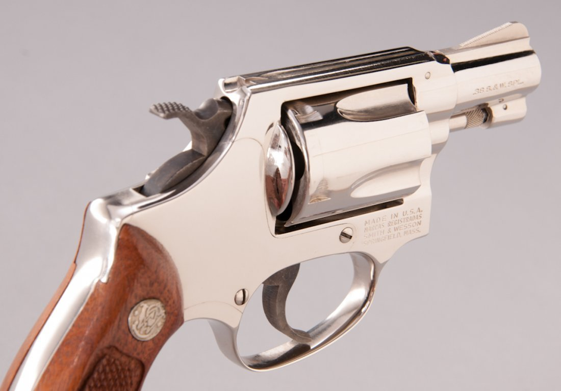 892: Smith & Wesson Model 36 Chief's Special Revolver - 4