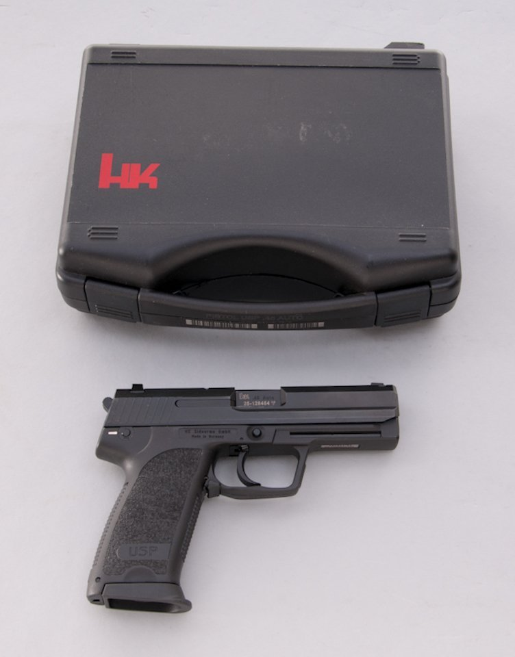 950: HK USP Semi-Automatic Pistol