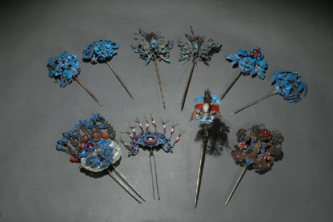 A GROUP OF TEN KINGFISHER FEATHER HAIR ORNAMENTS
