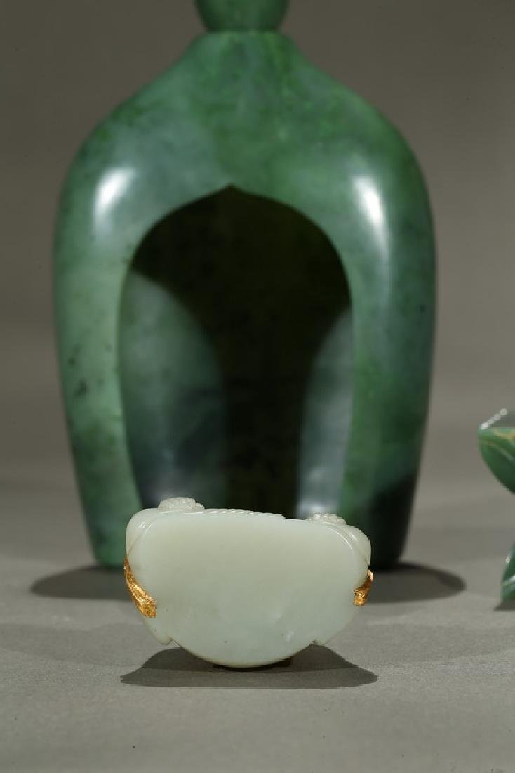 A SPINACH GREEN JADE PAGODA AND WHITE JADE BUDDHA - 9