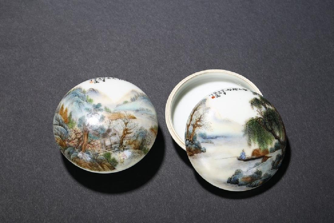 A PAIR OF FAMILLE ROSE INK PASTE BOXES - 2