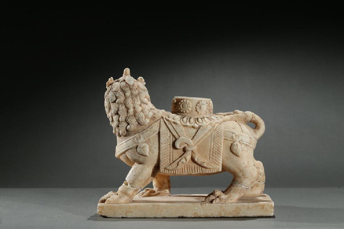 A CHINESE MARBLE CARVED FIGURE OF LION - 2