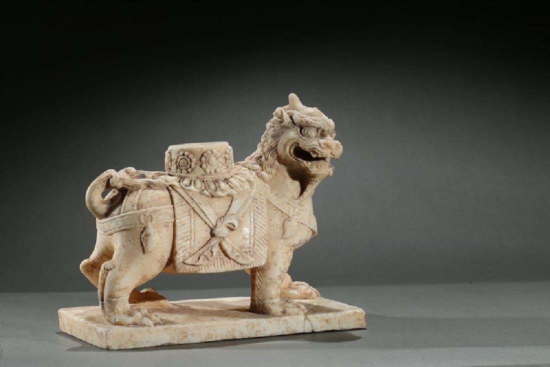 A CHINESE MARBLE CARVED FIGURE OF LION - 5