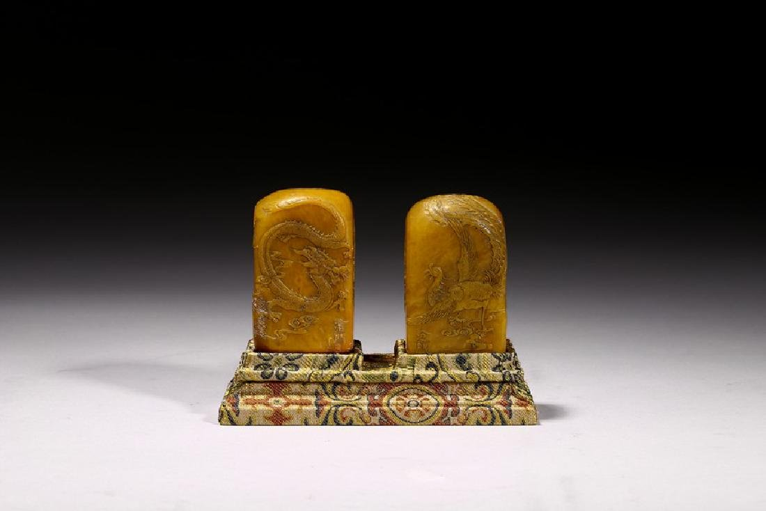 A PAIR OF SHOUSHAN SOAPSTONE CARVED SEALS