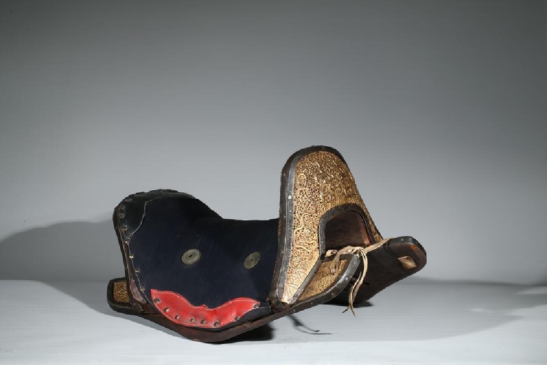 A GILT-BRONZE HORSE SADDLE - 3