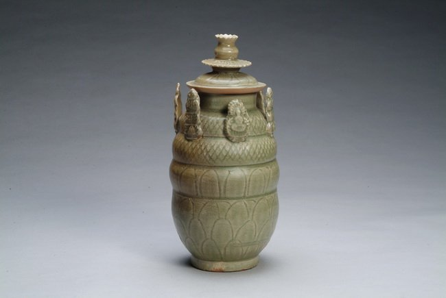 4: A Chinese green glazed food jar with cover
