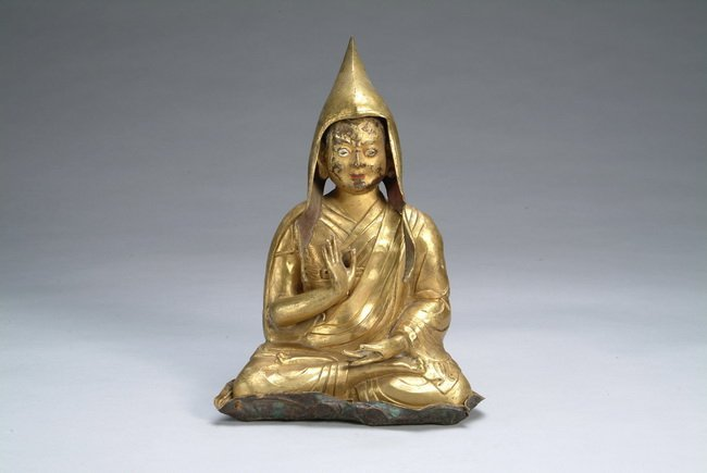 114: A gilt-bronze Dalai Lama, period of Ming Dynasty