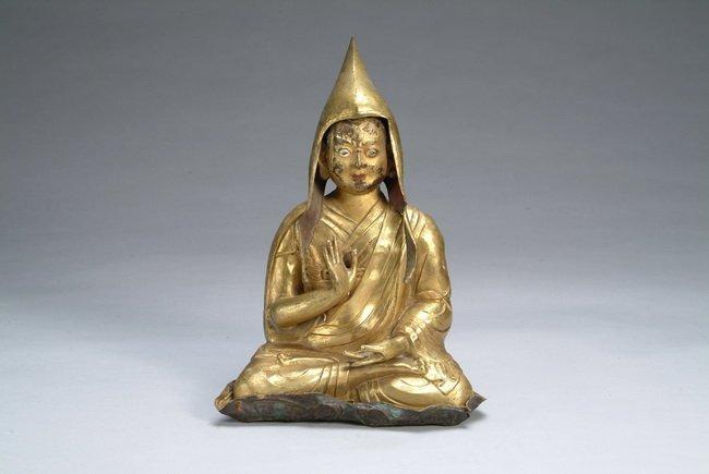 114: A gilt-bronze Dalai Lama, period of Ming Dynasty