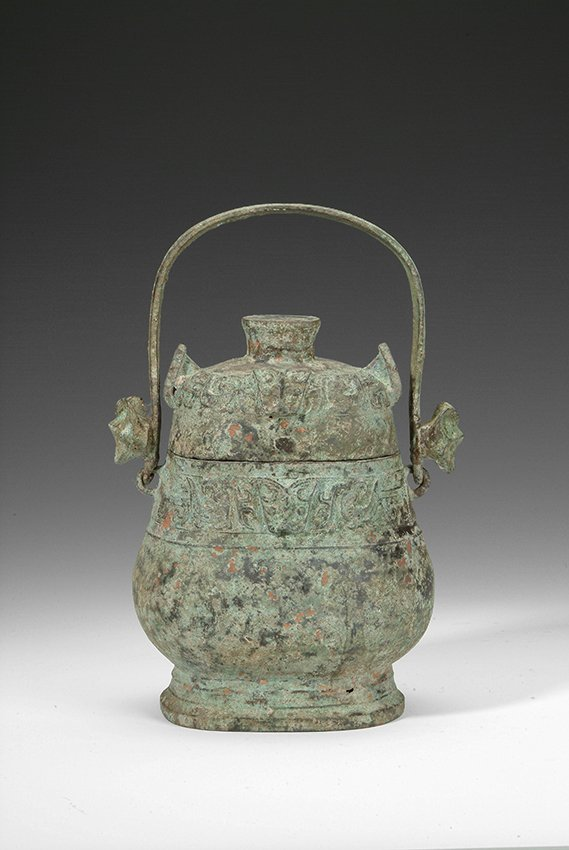 13: A CHINESE ANCIENT BRONZE LIDDED JAR