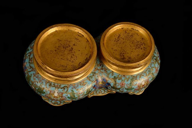 A SET OF CLOISONNE DOUBLE BOTTLE - 6