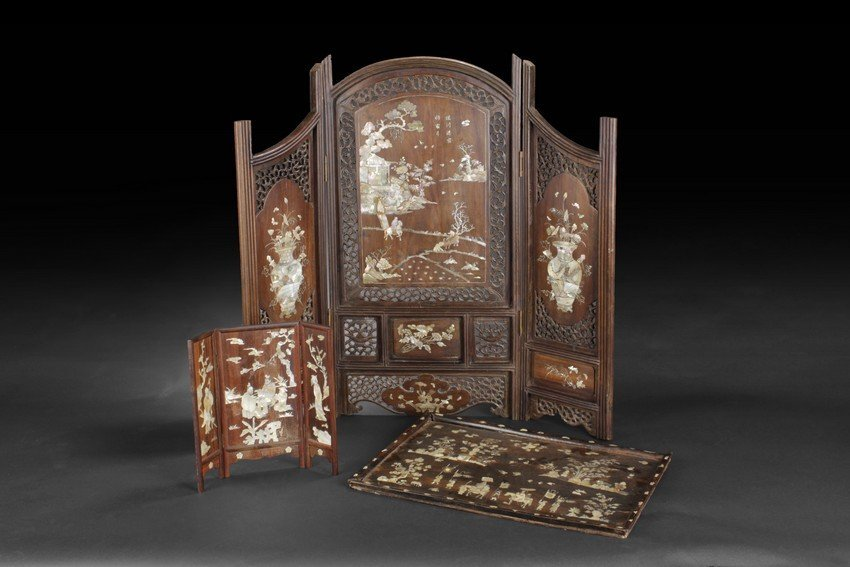 TWO DECORATED WOOD SCREENS AND A DECORATED WOOD TRAY