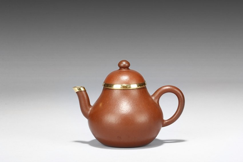 """LU SITING: A YIXING RED CLAY """"PEAR"""" TEAPOT"""