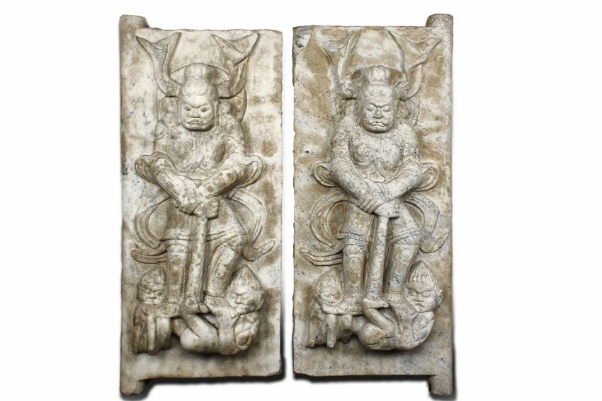 A PAIR OF STONE CARVED 'GUARDIAN' STELES