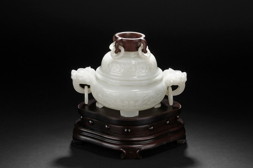 A WHITE JADE TRIPOD CENSER & WOODEN FINIAL & STAND