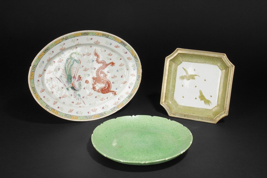 A GROUP OF THREE CERAMIC DISHES