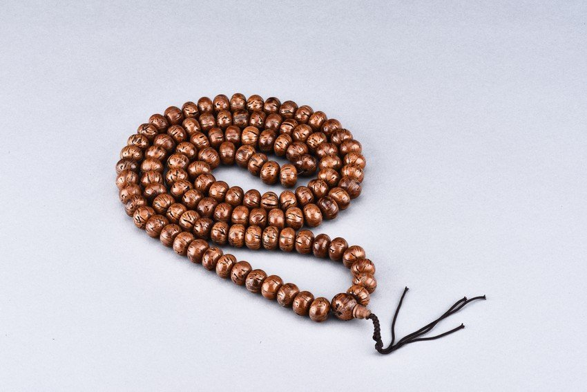 A PUTI SEED 109 BEADS NECKLACE
