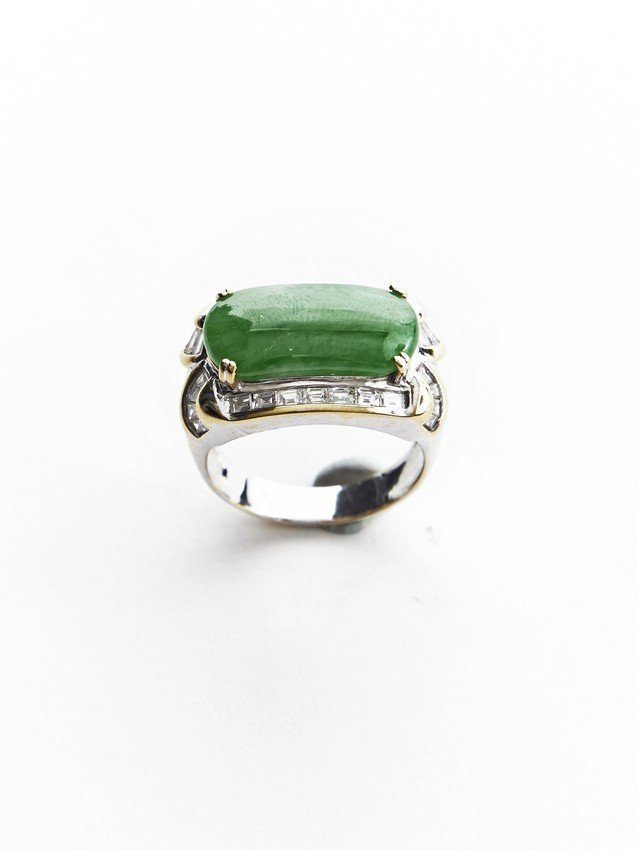 A NATURAL JADEITE AND DIAMOND RING