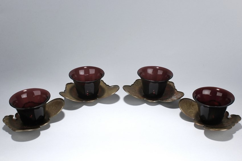 A SET OF 4 EXPORTED PEKING GLASS CUPS W/ SILVER STANDS