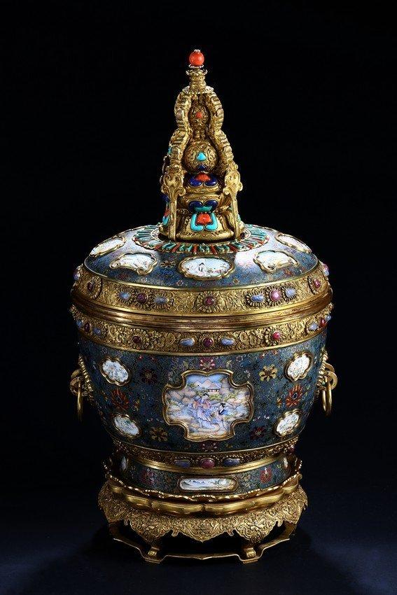 A LARGE CLOISONNE ENAMEL BUTTER-TEA JAR WITH COVER