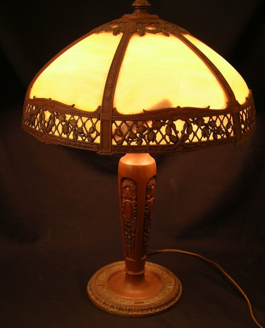 4108: Antique Ivory Slag Glass Table Lamp