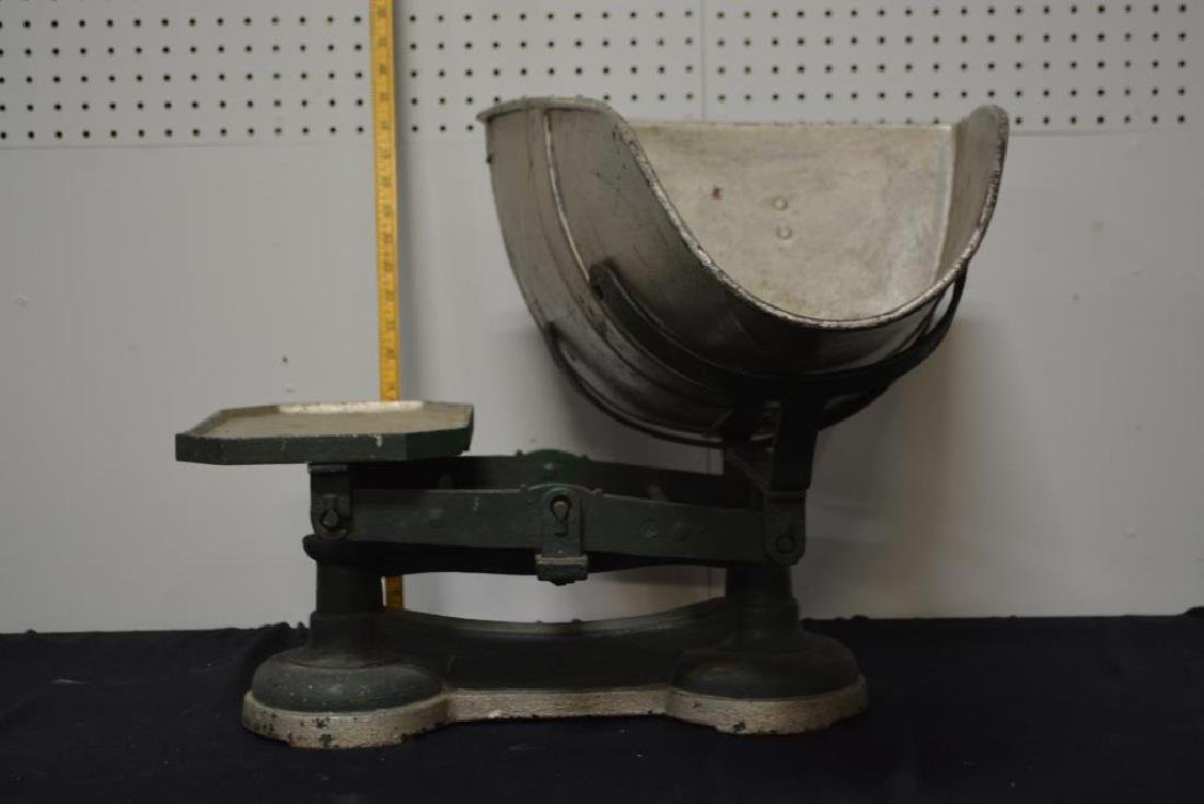 """General Store Scale 17 3/4""""H,    21""""  x   27 3/4"""" - 3"""