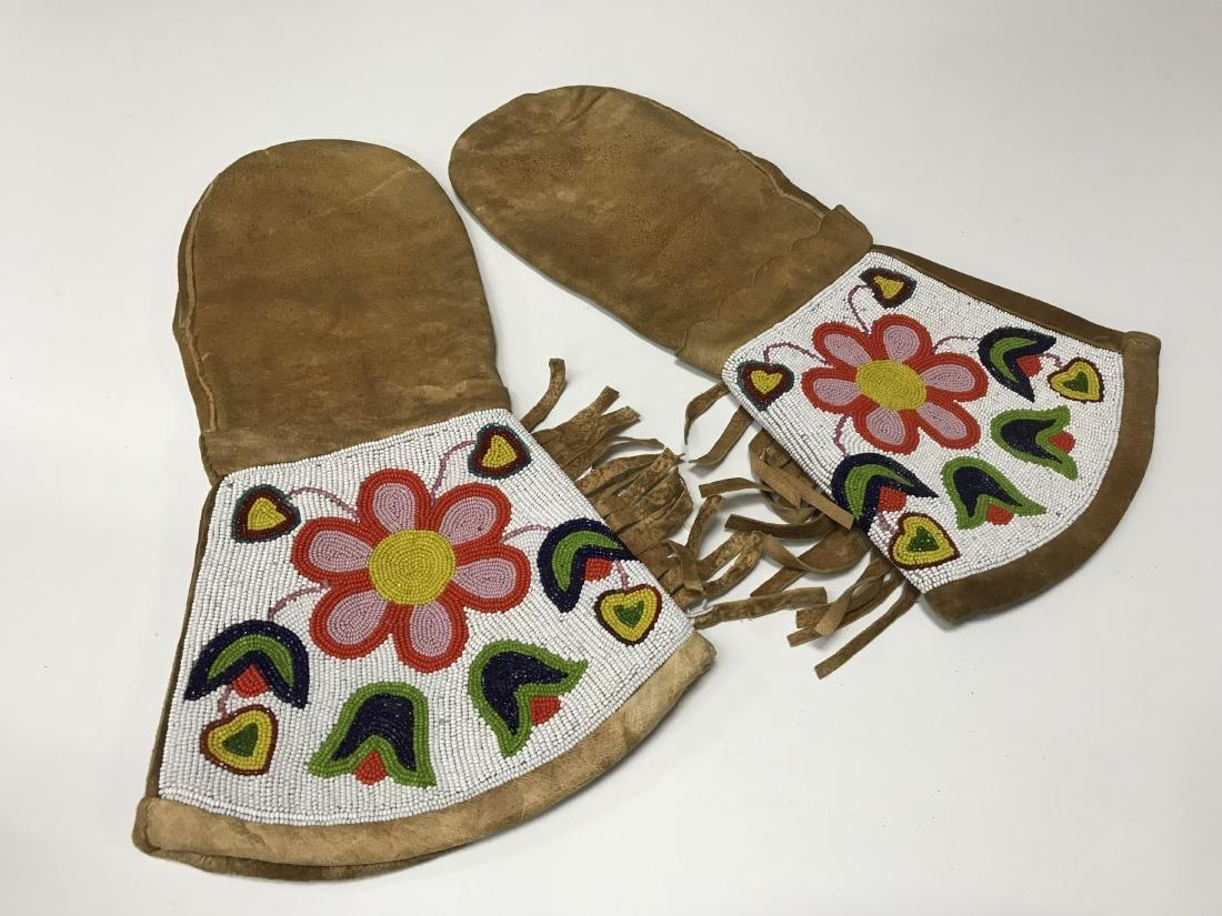 Chippewa Beaded Mitts 1930's-1940's