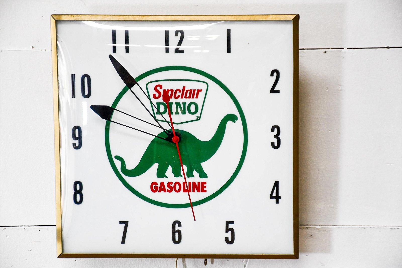 Sinclair Dino Gasoline Advertising Clock - works 15