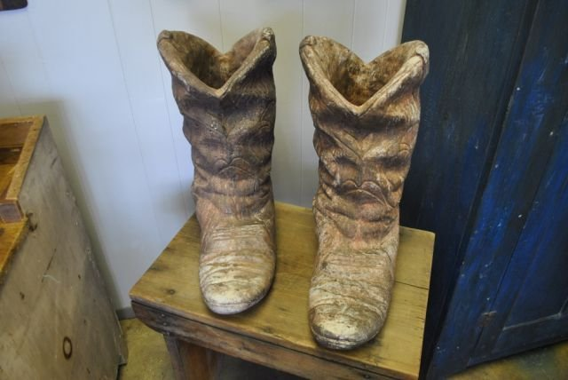 Concrete Cowboy Boot Planter X2 : Lot 0050
