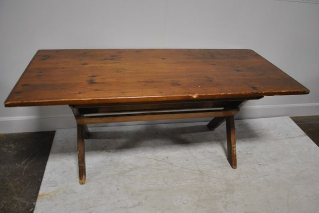 Early Pine Saw Buck Table