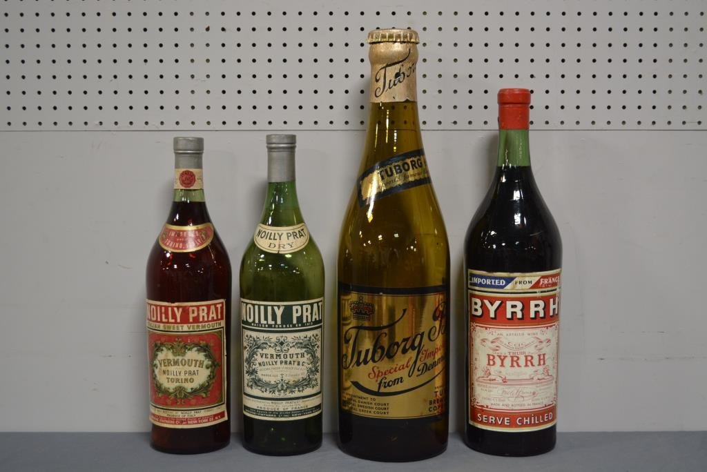 "Vintage Bar Display Bottles X4 19 3/4""; 19 3/4""; 22"";"
