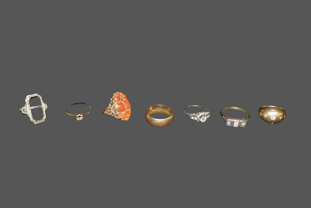 7pc. Lot  of Rings 6 -  14K          /        1 - 18K
