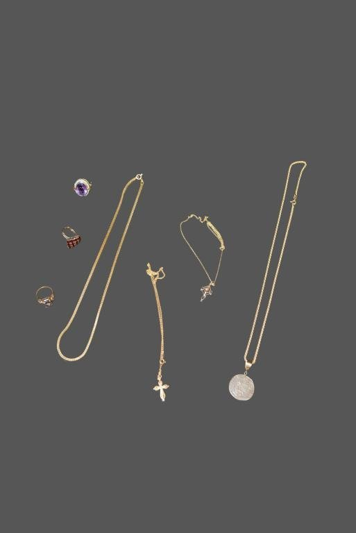 7pc. Lot of Assorted Gold Jewelry 4 necklaces - 14K 3