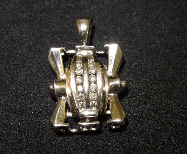 13: 10kwg Diamond Pendant